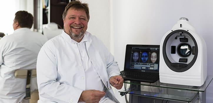 praxis-juri-kirsten-hautdiagnostik-hautanalyse mit computer in berlin