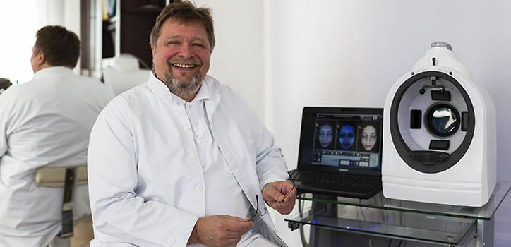 Hautanalyse in Praxis Juri Kirsten in Berlin am Wittenbergplatz