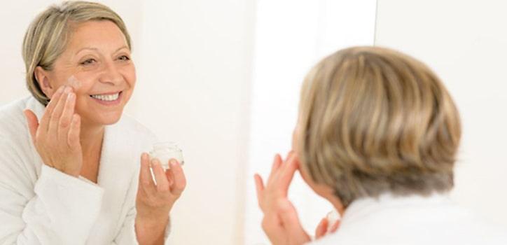 Hormone gegen Hautalterung in der Praxis Juri Kirsten in Berlin